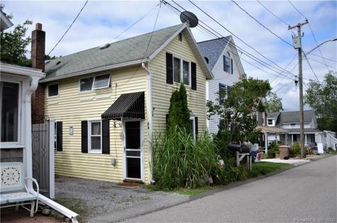 28 Center East Lyme CT 06357
