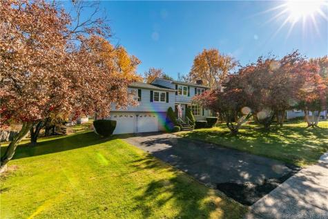 141 Carriage Berlin CT 06037