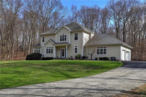 104 Woodcutters Bethany CT 06524