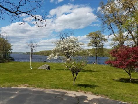 9 Parkers Point Chester CT 06412