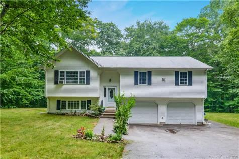 25 Old Colony Ledyard CT 06339