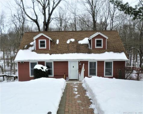 61 Rolling Green Bethany CT 06524