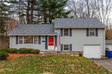 38 Wynding Hills East Granby CT 06026