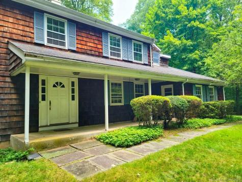 37 Dunwoodie Place Greenwich CT 06830